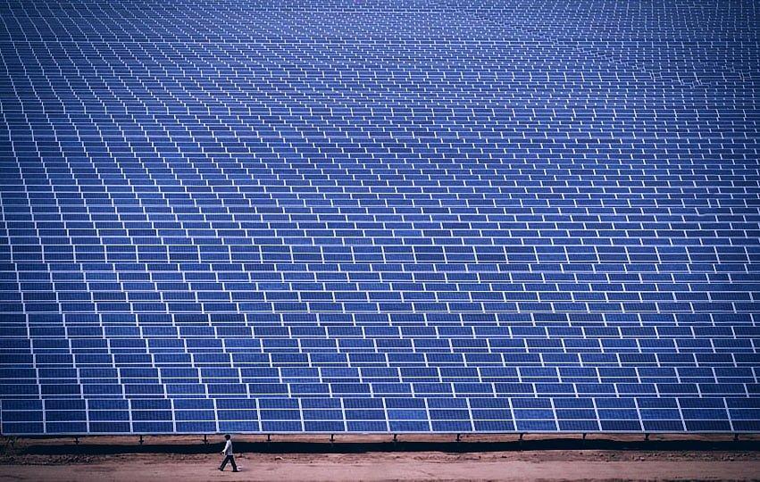 Foto de un huerto solar gigantezco en la India