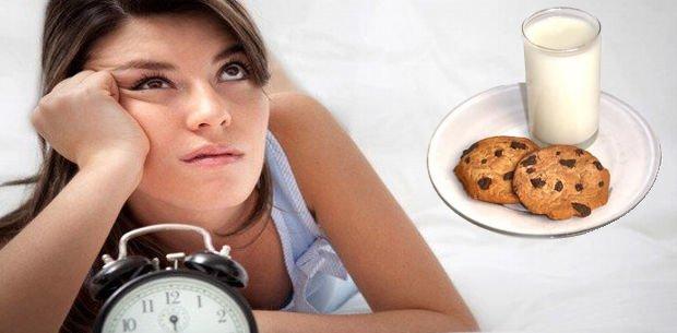 leche y galletas contra el insomnio