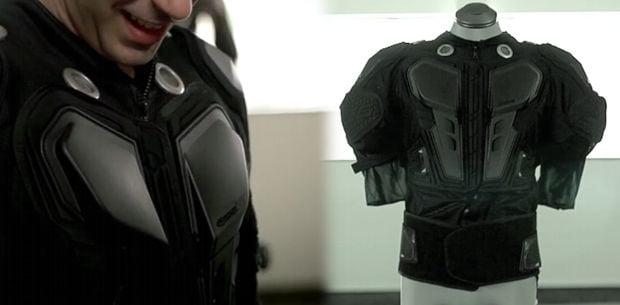 un traje que nos permite sentir los efectos de un video juego