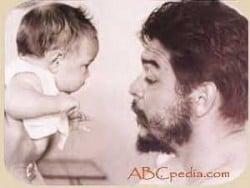 el che con un niño