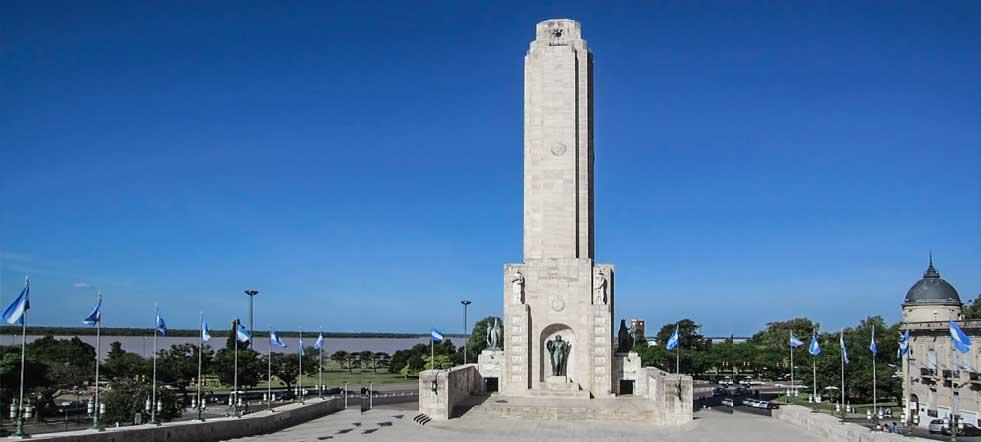 foto del monumento a la bandera argentina