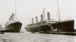 Titanic junto al Olympic