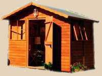 Pequeña casa prefabricada enteramente en madera