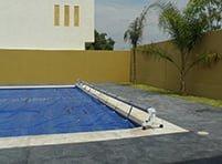 cubierta-de-red-plastica-piscina