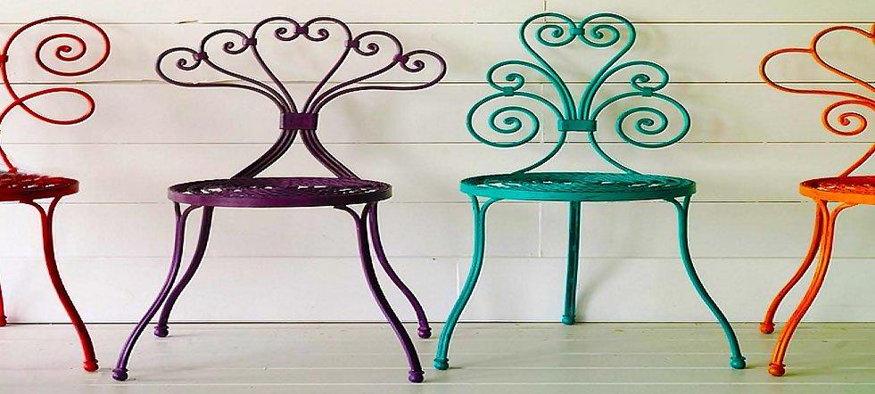 Muebles de hierro rasgos duros y elegantes abcpedia for Muebles en hierro