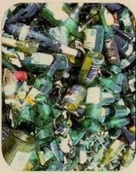 Las botellas usadas son la principal fuente de vidrio para reciclar.