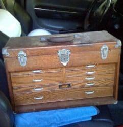 caja-de-herramientas-de-madera-muchos cajones