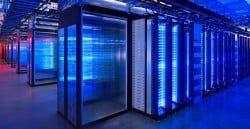 Datacenter: espacio físico que alberga decenas o centenas de ordenadores -servidores- en condiciones óptimas de higiene y temperatura.